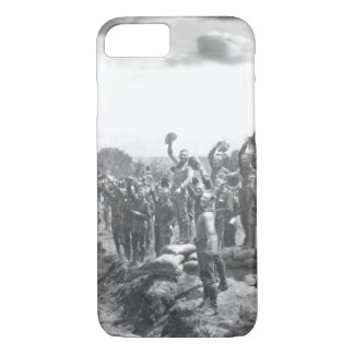 Receiving the news of the surrender_War Image iPhone 8/7 Case