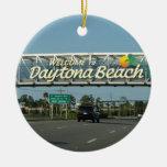 Recepción a Daytona Beach Adorno Navideño Redondo De Cerámica
