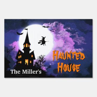 Recepción a la casa encantada asustadiza - feliz carteles