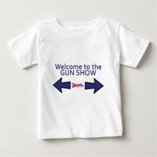 ¡Recepción a la demostración de arma!  ¡Consiga un Playera De Bebé