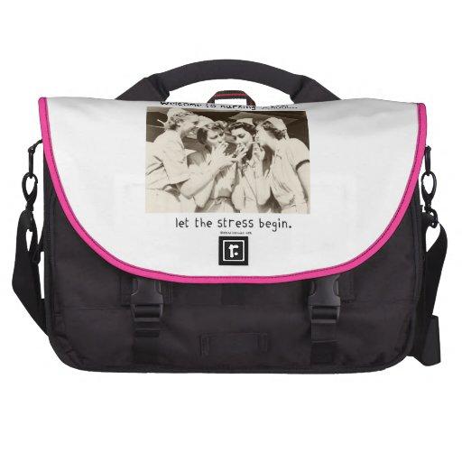Recepción a la escuela de enfermería - deje la ten bolsas para portatil