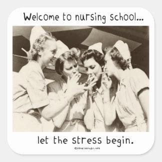 Recepción a la escuela de enfermería - deje la ten calcomanía cuadrada