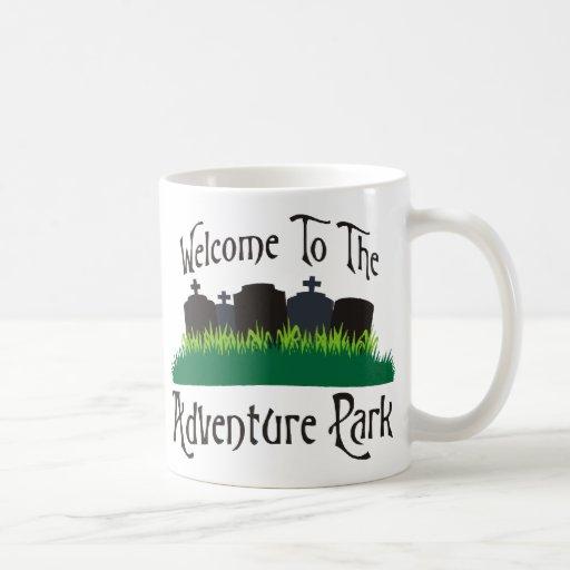 Recepción al parque de la aventura taza de café