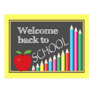 Recepción colorida de nuevo a escuela tarjeta postal
