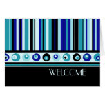 Recepción del empleado de las rayas azules a la ta felicitacion