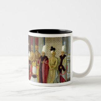 Recepción en la corte del sultán Selim III Taza De Café De Dos Colores