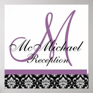 Recepción nupcial púrpura del monograma del damasc póster