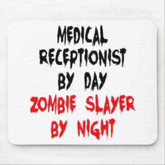 Recepcionista médico del asesino del zombi alfombrilla de raton