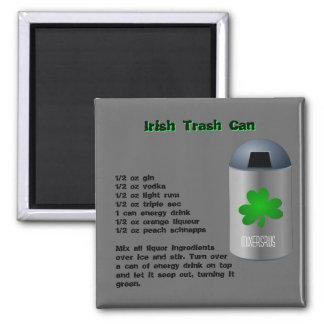 Receta irlandesa de la bebida del bote de basura imán de nevera