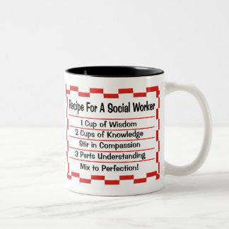 Receta para un asistente social taza de café de dos colores