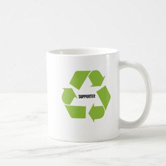Reciclaje del partidario taza de café