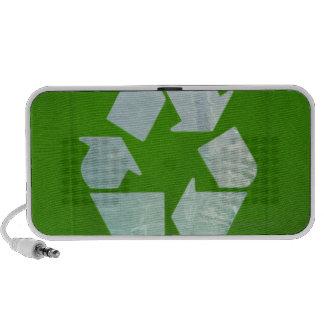 Reciclando el logotipo cortado del plástico verde iPod altavoz