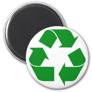 Reciclando el símbolo - verde imán redondo 5 cm
