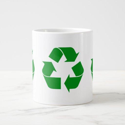 Reciclando el símbolo - verde taza jumbo