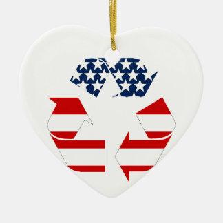 Reciclando símbolo - blanco y azul rojos ornamento para arbol de navidad