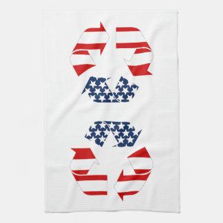 Reciclando símbolo - blanco y azul rojos toallas de cocina
