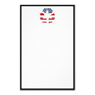 Reciclando símbolo - blanco y azul rojos papeleria de diseño
