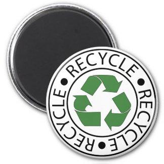 Recicle el logotipo de centro verde imán redondo 5 cm