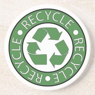 Recicle el logotipo de centro verde posavasos para bebidas