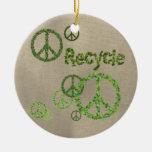 Recicle el ornamento del signo de la paz ornamentos de navidad