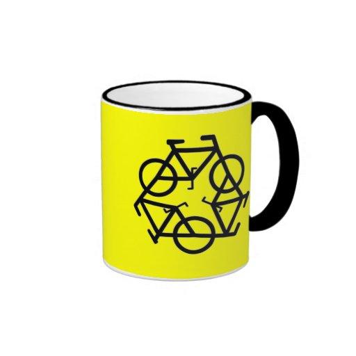 Recicle el símbolo del logotipo de la bicicleta taza de dos colores