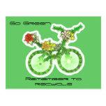 Recicle la bicicleta tarjeta postal