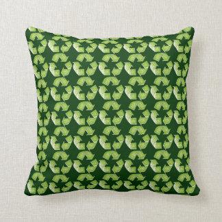 recicle la muestra verde almohada