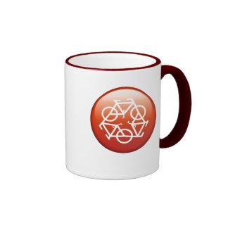 recicle la taza de cerámica anillada roja de Petr