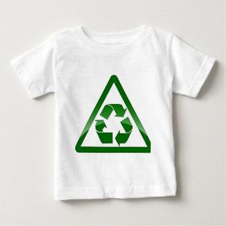 Recicle la tierra amistosa verde de la reserva de playera