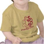 Recicle los productos que montan en bicicleta camisetas