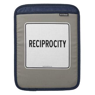 RECIPROCITY SLEEVE FOR iPads