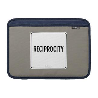RECIPROCITY SLEEVE FOR MacBook AIR