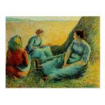 Reclinación de los Haymakers de Camilo Pissarro- Tarjeta Postal