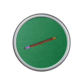 Reclinación del lápiz de color verde oscuro altavoz bluetooth
