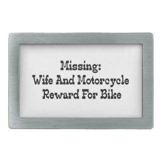 Recompensa que falta de la esposa y de la motocicl