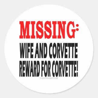 Recompensa que falta de la esposa y del Corvette p Etiqueta Redonda