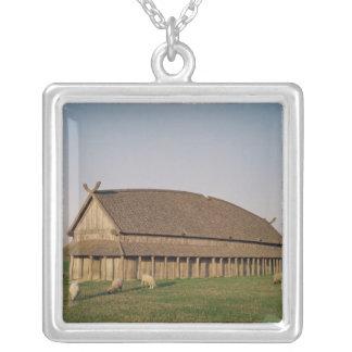 Reconstrucción de una casa del siglo XI de Viking Collar Plateado
