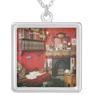 Reconstrucción del sitio de Sherlock Holmes Collar Plateado