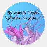 Recordatorio rosado del negocio de la flor pegatina redonda