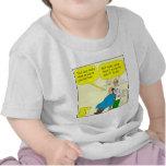 recorte 437 del oído un dibujo animado del camisetas