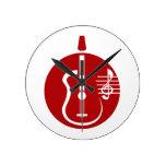 recorte abstracto de la guitarra con las notas red relojes de pared