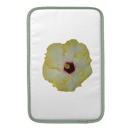 Recorte rojo amarillo de la floración del hibisco fundas para macbook air