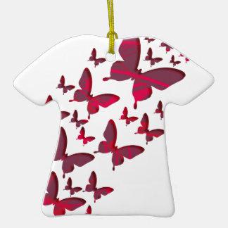Recortes rojos de la mariposa adorno navideño de cerámica en forma de playera