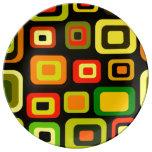 Rectángulos del amarillo, del naranja, rojos y ver plato de cerámica