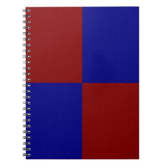 Rectángulos rojo oscuro y azules libretas