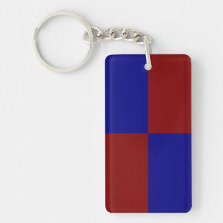 Rectángulos rojo oscuro y azules llavero rectangular acrílico a doble cara