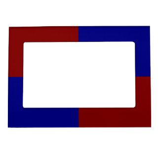Rectángulos rojo oscuro y azules marcos magnéticos de fotos