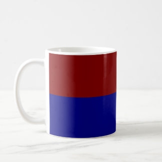 Rectángulos rojo oscuro y azules tazas de café
