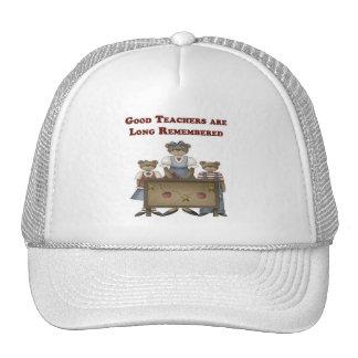Recuerdan a los buenos profesores de largo gorras de camionero