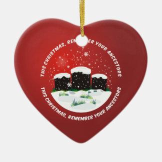 Recuerde a sus antepasados adorno navideño de cerámica en forma de corazón